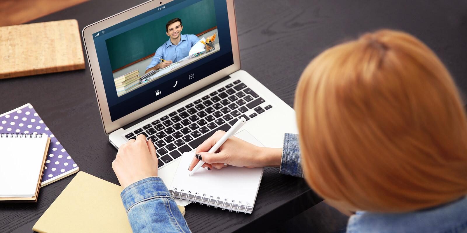 6 Δωρεάν πλατφόρμες για διαδικτυακά μαθήματα
