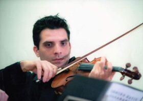 Βαβατσίκος Τριαντάφυλλος – Βιολί ιδιαίτερα μαθήματα