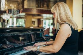 ΧΡΙΣΤΙΝΑ ΣΩΤΗΡΙΟΥ – Πιάνο
