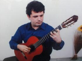 Παπαδόπουλος Γιώργος – Κιθάρα