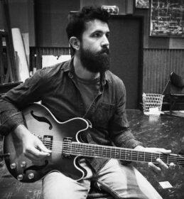 Μπέλτσιος Θωμάς – Κιθάρα