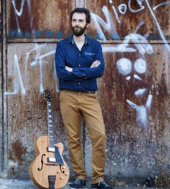 Παπαγιαννακόπουλος Ανδρέας – Ηλεκτρική κιθάρα ιδιαίτερα μαθήματα