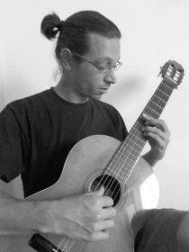 Τραγουλιάς Βασίλης – Κλασική και Ακουστική Κιθάρα ιδιαίτερα μαθήματα