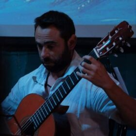 Παχάκης Νίκος –  Κλασική κιθάρα ιδιαίτερα μαθήματα