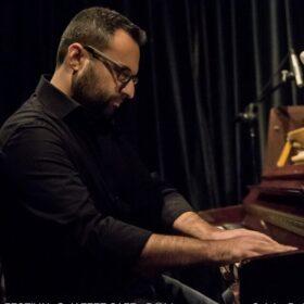 Βερδίνογλου Δημήτρης – Πιάνο, Θεωρητικά