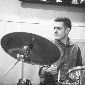 Καραλιάς Αλέξανδρος – Drums ιδιαίτερα μαθήματα