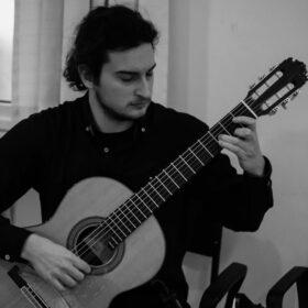 Περράκης Γιώργος – Κιθάρα