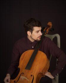 Βαγγέλης Μπάκαλος – Βιολοντσέλο ιδιαίτερα μαθήματα